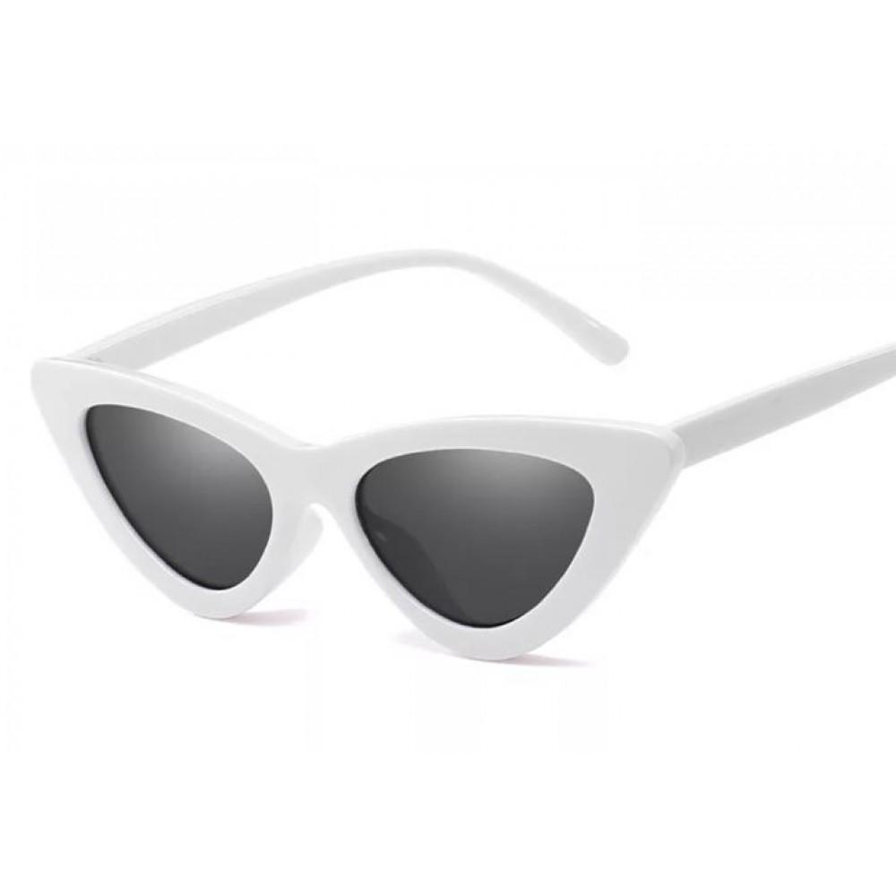 677f607d1d Γυαλιά Ηλίου Γυναικεία Retro Λευκά Με Γκρι Φακούς